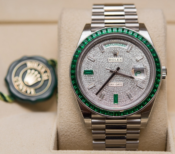 Swiss Rolex Day-Date 40 Green Emerald Platinum Watch