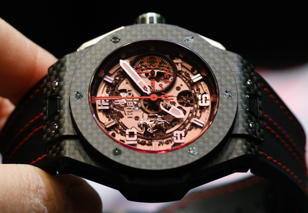 Photo Review – Hublot Large Bang Red-colored Miracle Carbon Replica Watch