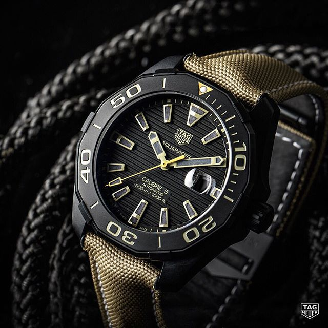 TAG Heuer Aquaracer 300 M Calibre 5 Black Titanium Replica
